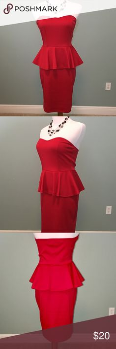 STUNNING! Red Dress ~ Sz Junior Medium It has a little bit of stretch to it, but IT IS form fitting.  My daughter wore it ONCE to a banquet.  She was a size 4-6.  EXCELLENT USED CONDITION. Dresses Midi