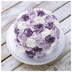 The longer I remain peaceful, the stronger I become. The longer I remain peaceful, the stronger I become. Cake Decorating Techniques, Cake Decorating Tips, Cookie Decorating, Pretty Cakes, Beautiful Cakes, Amazing Cakes, Baking Cupcakes, Cupcake Cakes, Mini Cakes