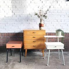 vintage kasten, nachtkastjes jaren 60 70 vintage retro Bed Room, Dream Homes, Nightstand, Nest, Bakery, Interiors, Dreams, Future, Retro