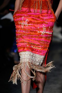 Altuzarra at New York Fashion Week Fall 2014 - Details Runway Photos Moda Fashion, Fashion Week, High Fashion, Fashion Show, Fashion Details, Fashion Design, Pulls, Textile Design, Outfit