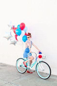 DIY Fourth of July Balloon Bikes