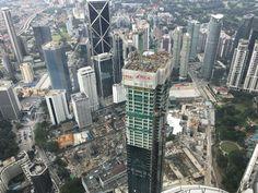 Tower Baustelle neben den Petronas Towers. Petronas Towers, Kuala Lumpur City, New York Skyline, Times Square