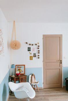 """Clémentine du Blog de Madame C vous présente la chambre de Jeanne, 7 mois. Un """"Viens dans ma chambre"""" teinté de liberty betsy porcelaine et de poésie."""