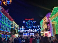 The Osborne Lights at Disney's Hollywood Studios! Bright, holiday lights, canopies that glow and sparkle with snow gently falling down. Stunning and unforgettable-- one of our favorite holiday must-dos at Walt Disney World Parks and Resorts. #DisneyWorld #WDW #ChristmasLights #Holidays