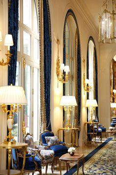 Romance at the Ritz: Kay Olivia Keren & Ryan Jackson's Fairytale Wedding in Paris Luxury Decor, Luxury Interior, Interior Design, Mansion Interior, Interior Exterior, Palaces, Casa Steampunk, Piscina Hotel, Bar A Vin