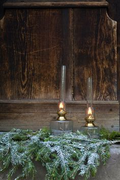 Advent, Kerosene Lamp, Brass Table Lamps, Interior Inspiration, Lightning, Clear Glass, Cosy, Really Cool Stuff, Fountain
