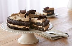 Try this European Mocha Fudge Cake recipe, made with HERSHEY'S products. Enjoyable baking recipes from HERSHEY'S Kitchens. Bake today.