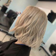 Bright blonde blunt bob. wavy hair. Blonde Blunt Bob, Blonde Bobs, Lvl Lashes, Keratin Complex, Bright Blonde, Hair And Beauty Salon, Best Brand, Wavy Hair, Stylists