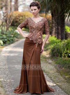 Trumpet/Mermaid V-neck Sweep Train Chiffon Lace Mother of the Bride Dress With Ruffle Beading (008018727) - JJsHouse