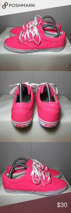 Classic vans -size:8.5 -colorway:hot pink/ white -stylecode:vn-onjo6aq -Release Date:2016 -conditions:slight signs of wear -No box⬅️ -100% authentic  -no lowballing👈🏽 -🚫no trades🚫 -sold as is!!!👈🏽 -no lowballing😐 Vans Shoes Sneakers