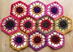 A new chunky crochet hexagon blanket in progress - I like chunky yarn, projects grow fast :)