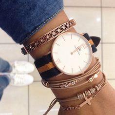Die schlichten Daniel Wellington Uhren lassen sich echt klasse mit Armbändern kombinieren! | Stylefeed