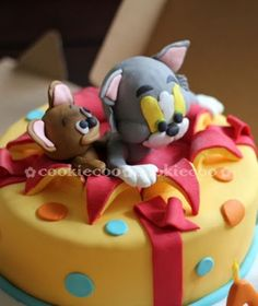 Amazing decorative. cake | Cookie-Cook Indeed! Such a cute Tom and Jerry birthday cake!