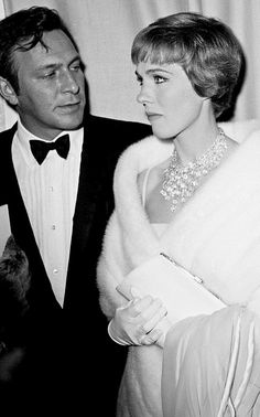 "goldenageestate: "" Christopher Plummer & Julie Andrews at the premiere of 'The Sound of Music' ~ Fox Wilshire Theatre, Los Angeles ~ March 1965 "" Julie Andrews, Christopher Plummer Movies, Vintage Hollywood, Classic Hollywood, Victor Victoria, Julie Christie, The Way He Looks, Cartoon Tv Shows, She Movie"