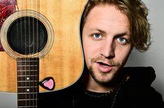 Tomáš Klus Music Instruments, Guitar, Style, Swag, Musical Instruments, Guitars, Outfits