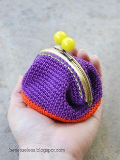 Ho la coin-purse-ite. Possibile? Si manifesta con: 1. Acquisti compulsivi di chiusure in metallo, preferibilmente con palline colorate. 2. Nascita …
