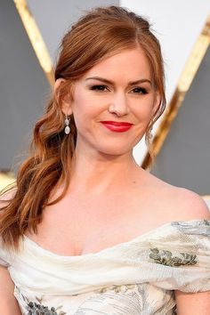 Isla Fisher attends the Annual Academy Awards at Hollywood & Highland Cente., Isla Fisher a Isla Fisher, Oscars, Blond, Curl Formers, Latest Celebrity Gossip, Celebrity Beauty, Hair Color Formulas, Red Carpet Hair, Star Wars