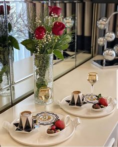 Breakfast Presentation, Food Presentation, Coffee Tray, Coffee Cafe, Afghanistan Food, Food Decoration, Table Decorations, Beauty Iphone Wallpaper, Storm In A Teacup