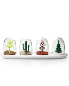 Look to the Animal/Four Season Shaker Set for a fun way to display your seasonings. Shop Apollo Box for creative products and cool gadgets. Spice Shaker, Kitchen Gifts, Salt Pepper Shakers, Four Seasons, Kitsch, Spice Things Up, Decoration, Snow Globes, Spices