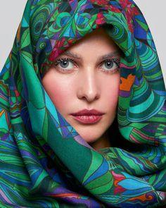 Шаль «Хозяйка Медной горы» Silk Scarves, Russia, Fashion, Moda, Fashion Styles, Fashion Illustrations