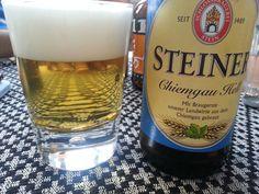 Ein feines Bier aus Oberbayern und auch einen Ausflug in den Biergarten wert: Steiner - Chiemgauer Hell. (Stein a.d. Traun). #beer #bier