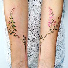 "19.8 mil Me gusta, 75 comentarios - Pis Saro (@pissaro_tattoo) en Instagram: ""One plant at two life stages: blooming and fetus . @artfulinkbali #pissaro #pissarotattoo…"""