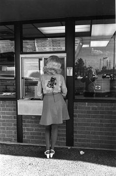 onlyoldphotography:    Lee Friedlander: Dallas, Texas, 1975