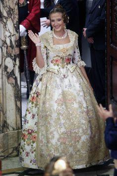 Begoña González, Queen of  Valencia Fallas 2013 - LasProvincias.es. Picture 1 of 65