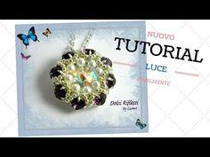 Tutorial : Ciondolo Luce - YouTube Necklace Tutorial, Earring Tutorial, Beading Projects, Beading Tutorials, Beaded Jewelry Patterns, Beading Patterns, Jump Ring Jewelry, Jewelry Making Tutorials, Beaded Rings