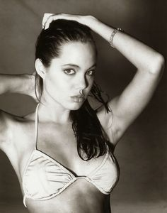 15-Year-Old Angelina Jolie During One Of Her First Photoshoots (Interview)