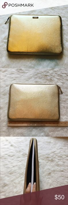 """Kaye Spade laptop sleeve Work and travel have never looked better with the Kate Spade New York Saffiano Sleeve for 13"""" MacBook/MacBook Pro. Compatible with most 13"""" laptops, the durable vinyl is easy to clean.🖤BRAND NEW NEVER USED🖤🚫NO TRADES LOW BALL OFFERS GET BLOCKED🚫 kate spade Accessories Laptop Cases"""
