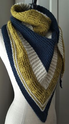 Ravelry: cheryllfaust's Bradway MC:: Huckleberry Snowy Chamomile (This color really shows off the texture of the tile stitch wonderfully!) Cast on and in love. Hard to put down! Thru the first tile. Shawl Patterns, Knitting Patterns, Crochet Patterns, Knit Or Crochet, Crochet Shawl, Crochet Vests, Crochet Cape, Crochet Edgings, Crochet Motif