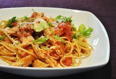 Spaghetti in Bruschetta-Soße & Hähnchenbruststreifen