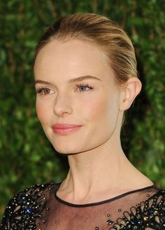 Kate Bosworth Photos - Actress Kate Bosworth arrives at the 2012 Vanity Fair Oscar Party hosted by Graydon Carter at Sunset Tower on February 2012 in West Hollywood, California. - 2012 Vanity Fair Oscar Party Hosted By Graydon Carter - Arrivals Simple Wedding Makeup, Wedding Makeup Tutorial, Wedding Makeup For Brown Eyes, Natural Wedding Makeup, Natural Makeup Looks, Simple Makeup, Natural Beauty, Beauty Vanity, Beauty Makeup