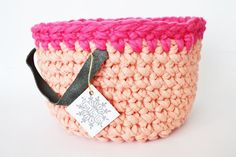 Crocheted basket with leather handles