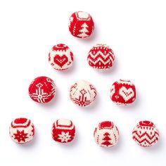 Patons Merry Fair Isle Knit Ornaments Christmas Balls, Christmas Angels, Christmas Crafts, Christmas Ornaments, Fair Isle Knitting Patterns, Knit Patterns, Free Christmas Knitting Patterns, Stitch Patterns, Knitted Christmas Stockings