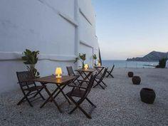 Termina el día con un pequeño picnic en la terraza de tu #casa, con el mar de fondo, y el sonido de uno de los mejores balcones del Mediterráneo. Clica sobre la imagen y verás otros detalles de esta promoción de #viviendas en #Altea.