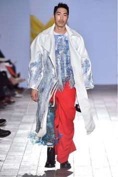 Central Saint Martins Spring/Summer 2017 Ready-To-Wear Collection | British Vogue... paint on potato sacks