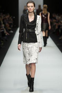 Guy Laroche Fall 2015 RTW Runway - Vogue-Paris Fashion Week