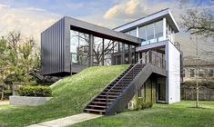 35 Stunning Modern Container House Design Ideas for Comfortable Life Every Day – GooDSGN Architecture Design, Container Architecture, Glass House Design, Box House Design, Modern Glass House, Shipping Container Home Designs, Shipping Containers, Sea Container Homes, Residential Roofing