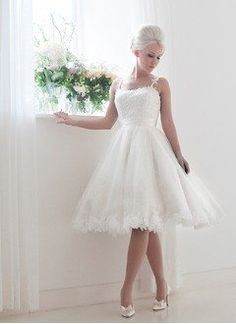 A-Line/Princess Knee-Length Tulle Lace Wedding Dress With Sash Bow(s)…