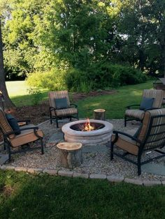 43 DIY outdoor fire pits are just what your backyard needs! stunning 43 DIY outdoor fire pits are just what your backyard needs! Cheap Fire Pit, Diy Fire Pit, Fire Pit Backyard, Backyard Patio, Backyard Landscaping, Backyard Ideas, Backyard Seating, Patio Ideas, Garden Ideas