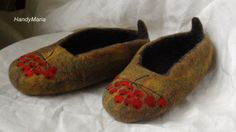Hand felted wool Rowanberry  slippers Autumn colors by HandyMaria
