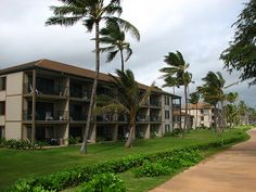 I miss Kauai, we stayed here at Pono Kai resort a few yrs back. The ocean is just on other side of the walkway. Loved our morning walks:)