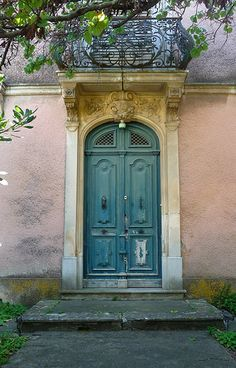 Outstanding french country decor ideas are readily available on our website. look at this and you wont be sorry you did. Old French Doors, French Windows, French Doors Patio, Old Doors, Patio Doors, Entry Doors, Windows And Doors, Exterior Doors, French Patio