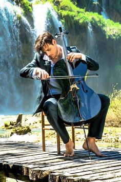 Playing cello allows one to express one's personality. Select your cello at Stradivari Strings. Cello Music, Art Music, Cello Art, Cello Photography, Color Splash, Color Pop, Cello Lessons, Splash Images, Beautiful Songs