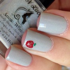 Having short nails is extremely practical. The problem is so many nail art and manicure designs that you'll find online School Nail Art, Back To School Nails, Snow White Nails, Teacher Nails, Christmas Look, Cherry Nails, Cute Nail Art, Accent Nails, Creative Nails