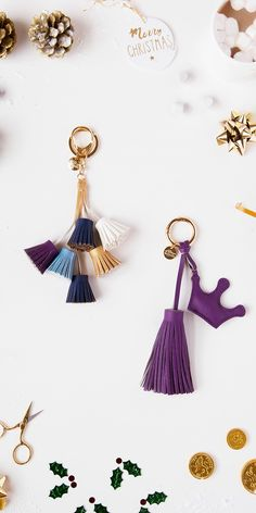 Looking for some last minute gifts? This tassel keyring set is exclusive for Xmas at only Don't forget to use our promo code: for a further off ✨ Last Minute Gifts, Gift Guide, Tassel Necklace, Don't Forget, Tassels, Xmas, Jewelry, Yule, Jewlery