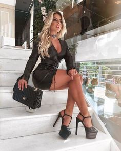Sexy Outfits, Girl Outfits, Fashion Outfits, Sexy Legs And Heels, Dress And Heels, Dress Shoes, Beautiful Legs, Gorgeous Women, Beautiful Beach