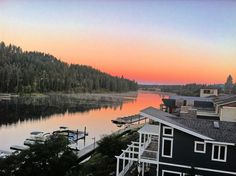 Fall sunrise in beautiful Coeur d'Alene, Idaho. Coeur D'alene Idaho, Coeur D Alene Resort, America City, Idaho Falls, Sunrise, River, Landscape, Photography, Restaurant